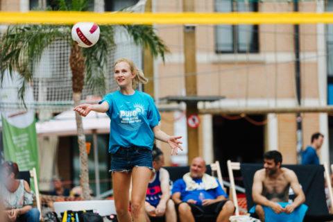 PURE Beach Volley : 20 équipes de joueurs s'affrontent au profit de CAP48