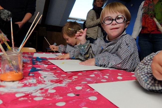 accessibilité à l'école des enfants handicapés